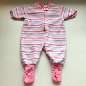 5/$25 SNUGABYE Pyjamas Fold Over Grip Feet & Zip